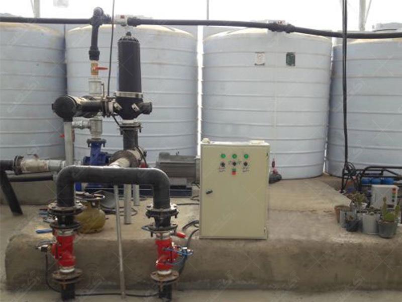سیستم آبیاری و تغذیه هوشمند
